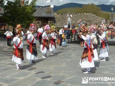 Majaelrayo - Pueblos arquitectura negra - Fiesta de los danzantes, Santo Niño; curso senderismo
